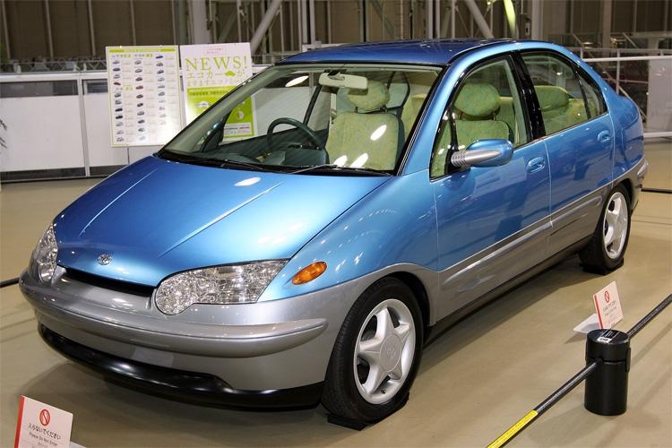 Концепт Toyota Prius на Tokyo Motor Show