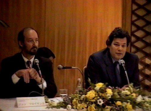 Майкл Шпиндлер (справа)