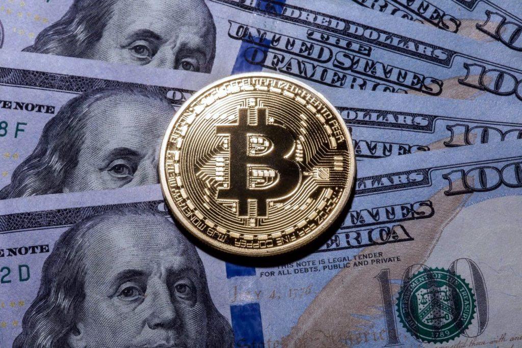 Доллары и биткоины