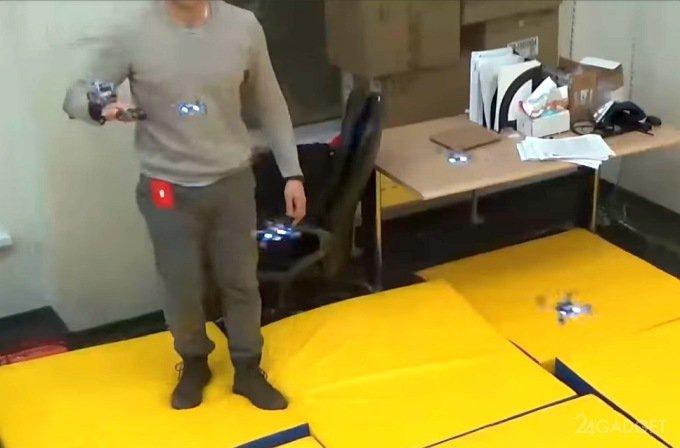 Виброперчатка из Сколково позволяет управлять отрядом дронов (видео)