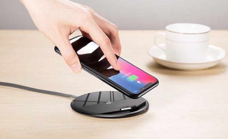 Настольные подставки с беспроводной зарядкой дляiPhone X, iPhone 8 и iPhone 8 Plus