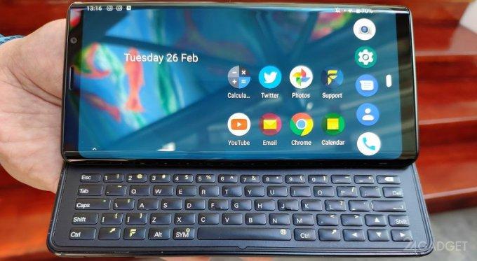 F(x)tec Pro 1: Android-слайдер с необычной QWERTY-клавиатурой (6 фото)