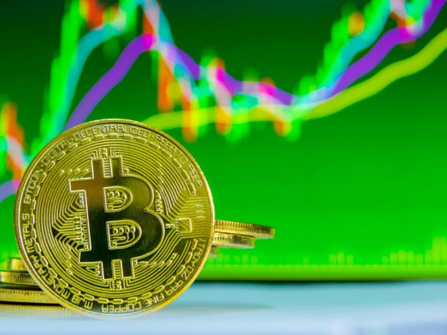Курс Bitcoin впервые за 6 месяцев превысил $4.500✌