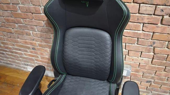 Игровое кресло Razer Iskur