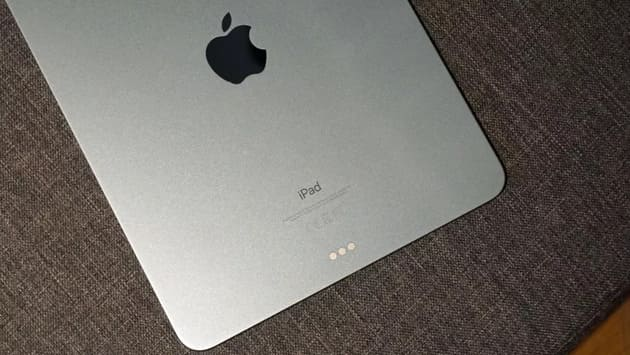 Задняя панель iPad Air 4