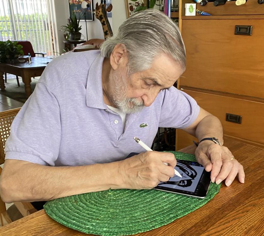 """Хосе Дельбо, 87-летний художник комиксов, рисует на iPad с помощью стилуса ». width = """"840"""" height = """"751"""" />   <div class="""