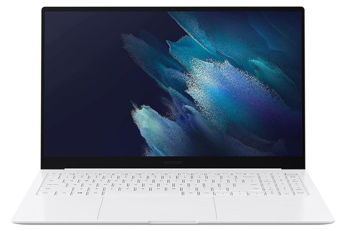 """41.jpg"""" height = """"auto"""" width = """"1200"""" </span> </noscript></p> <p> В Amazon вы можете получить скидку в 170 долларов на Samsung Galaxy Book Pro. Это легкое и изящное устройство оснащено 15,6-дюймовым экраном AMOLED, процессором Intel i5 11-го поколения, 8 ГБ оперативной памяти и 512 ГБ SSD. </p> <p> Ноутбук, доступный в серебристом цвете, работает под управлением Windows 10 Home. Вы также можете получить скидку на модернизированный вариант процессора Intel i7. </p> <p>        <a href="""