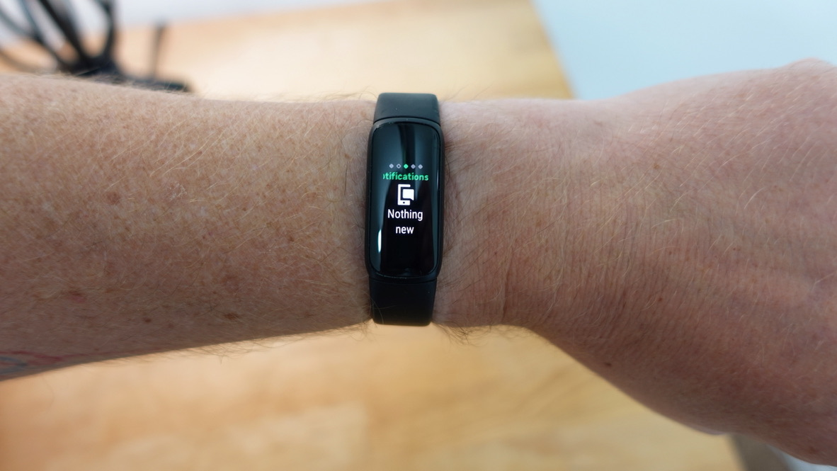 Fitbit Luxe 4