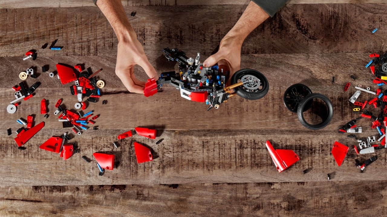 "Скидка 20% на Lego Technic Ducati Panigale V4 ""height ="" 720 ""loading ="" lazy ""class ="" img-responsive article-image ""/> </div> <p> <span class="